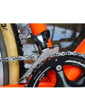 The latest Dura-Ace front derailleur moves the chain from the FSA inner ring to the Thorne Koksijde outer