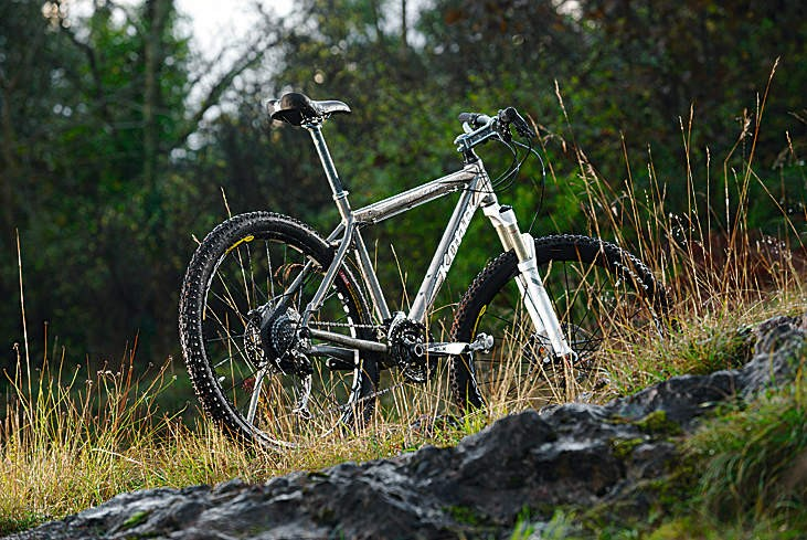 The Kula Deluxe is the best Kona trail hardtail money can buy