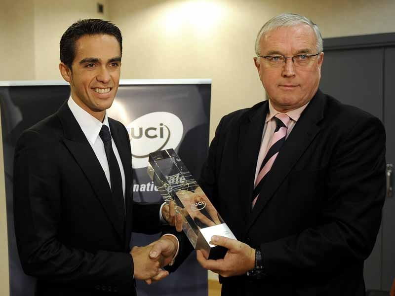 Alberto Contador accepts the award for number one rider in the UCI World Ranking for 2009
