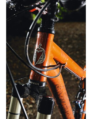The compact frame, short head tube and short-travel fork mean the Mama feels less  gawky than some 29ers