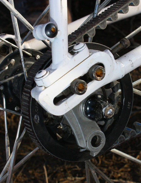 Sliding dropouts with built-in tensioners make for easy drivetrain setup while the split design allows belt drive compatibility
