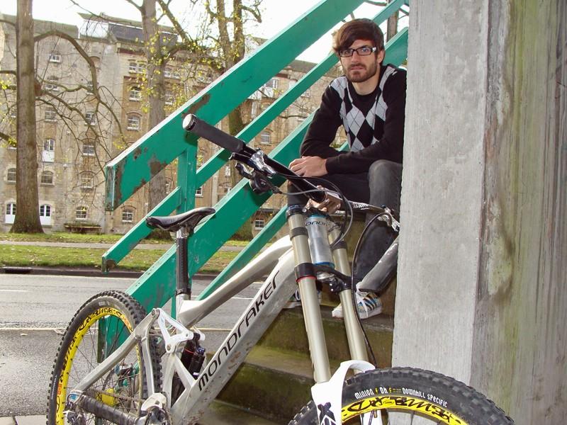 Mondraker's design guru Cesar Rojo gave us the lowdown on the new Summum downhill bike