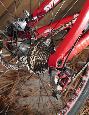 Gears An 11-26 SRAM 10-speed RED  road cassette was paired with a custom ten speed X.0 shifter