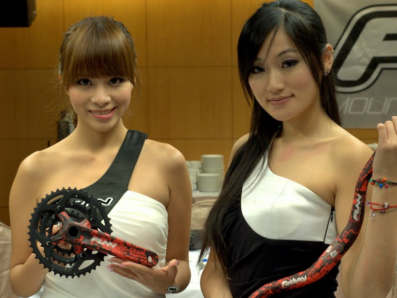 Taiwanese models with the Funn MTB custom wrap City Red crankset and Fatboy handlebar