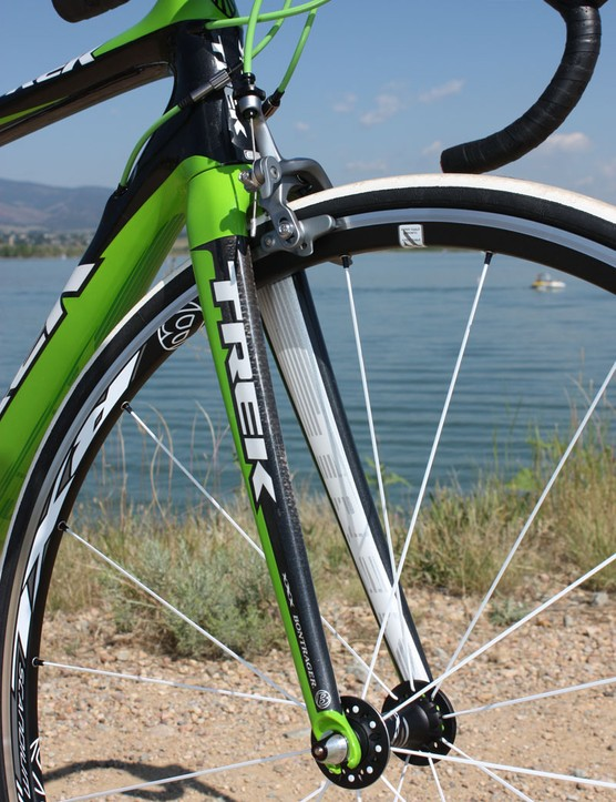 The matching Madone 6-Series fork blades eschew radical shaping in favor of a gently tapered and curved shape