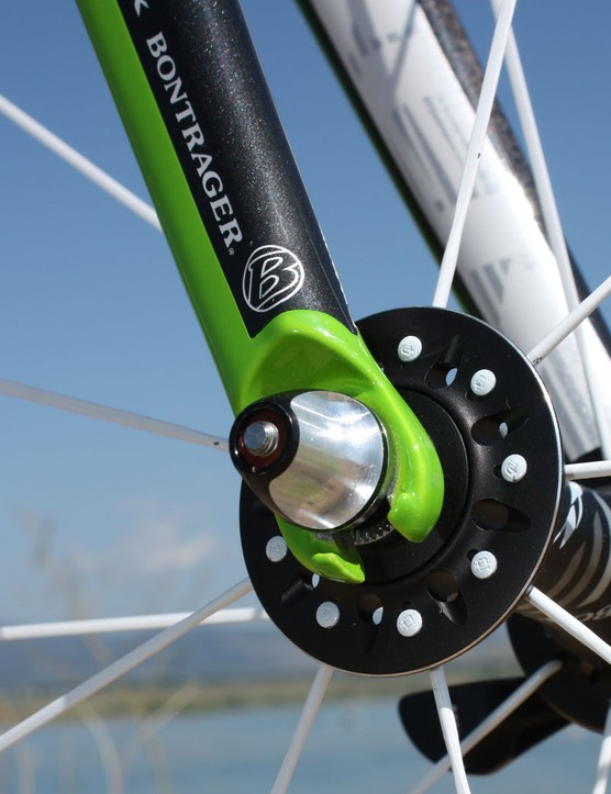 Alloy fork tips are used instead of carbon for durability