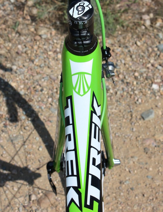 The Madone 6-Series' wide top tube effectively wraps around the head tube