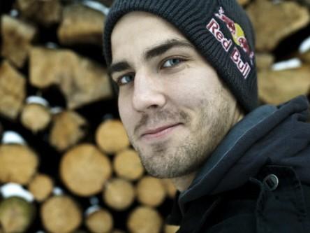 Finnish downhill star Matti Lehikoinen has joined Team Chain Reaction Cycles.com/Intense