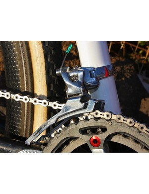 A steel cage on the SRAM 'Red' front derailleur offers up more stiffness than the usual titanium bit