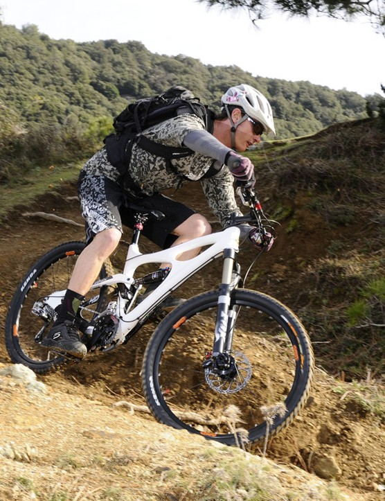 Ibis say the new Mojo HD is a true do-all trail bike with borderline downhill capabilities, as proven by Brian Lopes at the World Champs in Canberra, Australia last September