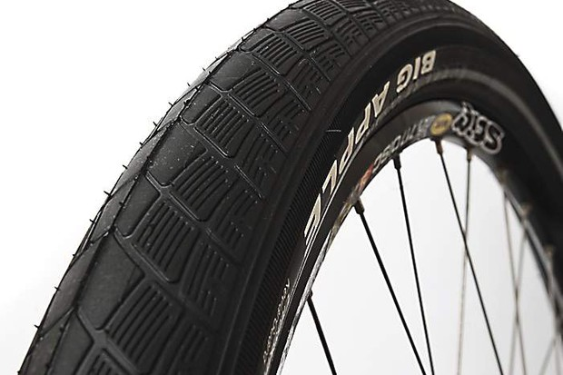Schwalbe Big Apple Liteskin tyre
