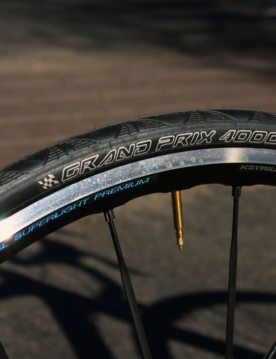 The Mavic Ksyium SL Premium clinchers and Continental Grand Prix 4000 tires make for a fast-rolling and dependable combination