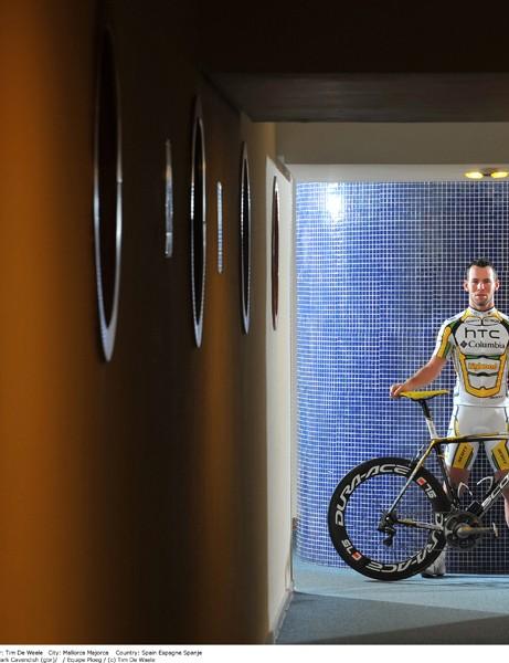 Mark Cavendish with his 2010 HTC-Columbia Scott Addict RC.