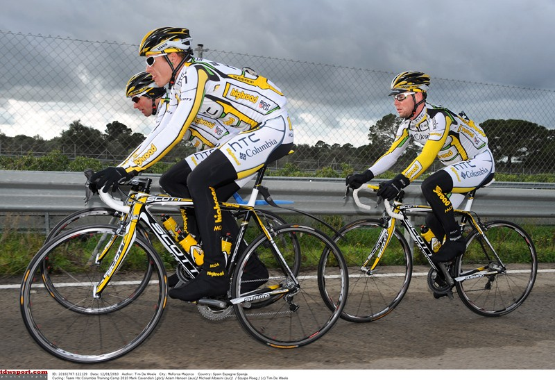HTC-Columbia riders Albasini, Hansen, Cavendish out on their new Scott Addict RC bikes.
