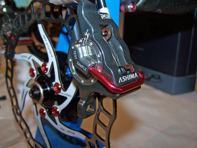 Ashima PanCake Brake