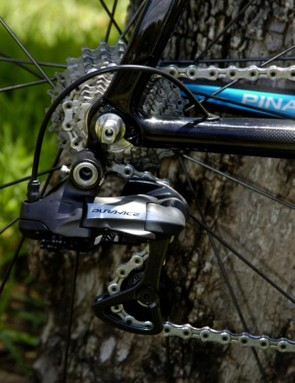 It's a mixture of Shimano Dura-Ace Di2 and 7900 back here on Swift's Pinarello Dogma