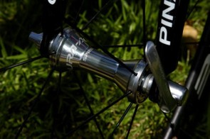 Team Sky are running Shimano Dura-Ace hubs front and back