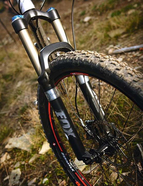 leaving the fork set in the 140mm mode will suit most rides