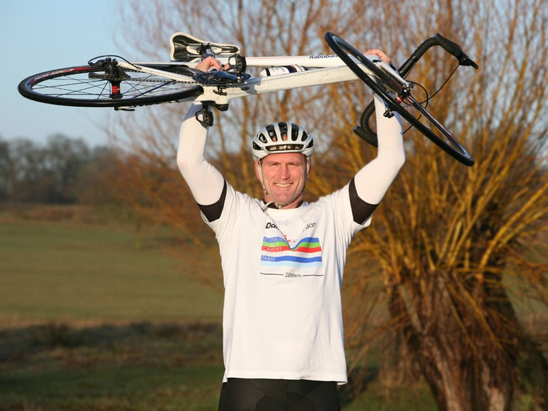 Ex-England rugby captain Lawrence Dallaglio will cycle between the Six Nations capitals in the Dallaglio Cycle Slam