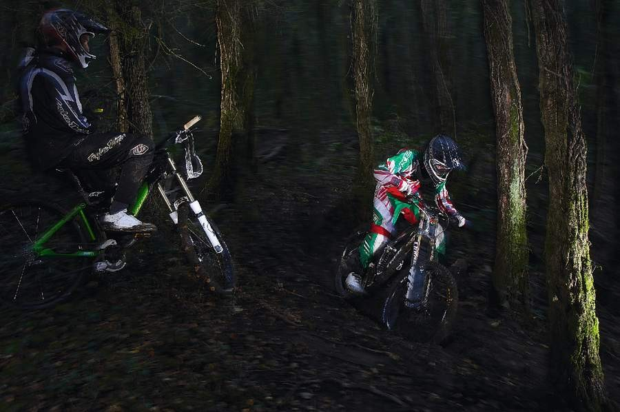 Rob shows off the perfect body position for tackling deep muddy trails