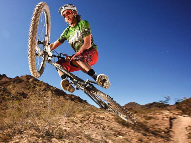 The Altitude 29er rides like a big with more suspension travel