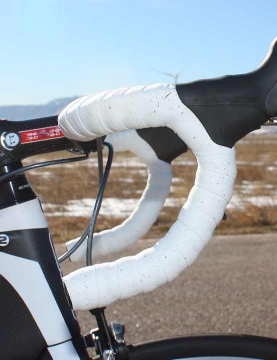 Felt passes over its own ultralight carbon bar in favor of Ritchey's WCS Carbon Evolution model