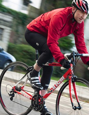A taller head-tube, shorter top-tube and longer wheelbase offer a more relaxed riding position