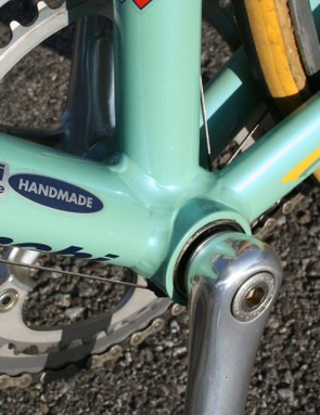 The bottom bracket area on Pantani's bike highlights the technology of the day with a standard Italian-threaded shell surrounding a square-taper bottom bracket
