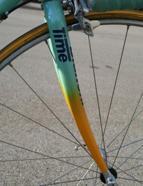 A Time carbon fork is used up front