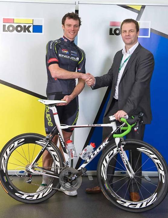 Rob Hayles with Endura Racing's LOOK team bike