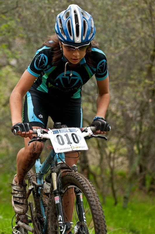Varsity leader Shayna Powless at 2009 NorCal race #2.