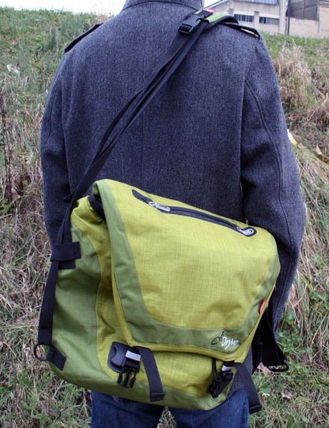 Abus Dryve courier bag