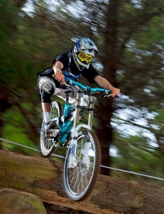 The young Kiwi splits time between BMX and downhill.