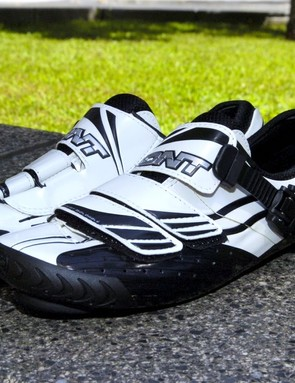 The Bont a-one road shoes use a monocoque construction and a bathtub-style carbon 'chassis' for an ultra-stiff and very light package