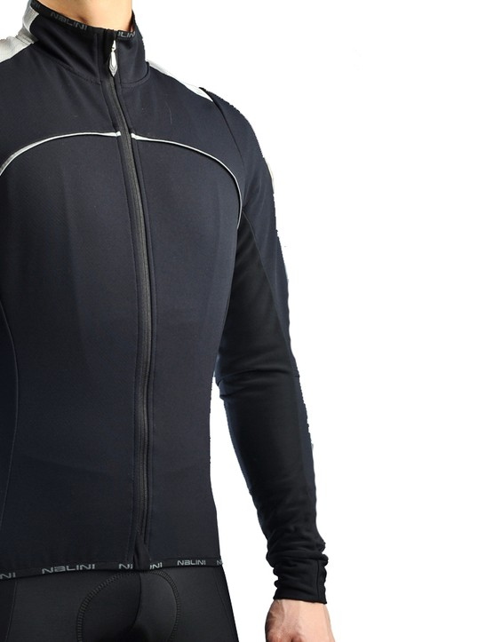 The Nalini Aguglia jacket provides a taut, road-specific fit but reserve it for late winter/early spring days as it isn't as warm as its premium price might suggest