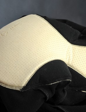 The included chamois looks old-school but is quite comfortable over the long haul with a soft texture, well-designed shape and seams that are wisely placed off-center