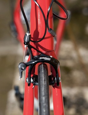 Apex's calipers can accommodate up to a 28c tyre, a boon for commuters.