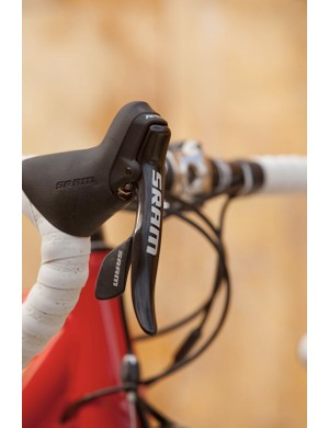 An alloy brake blade is the only major difference between Apex and Rival's shift/brake levers.
