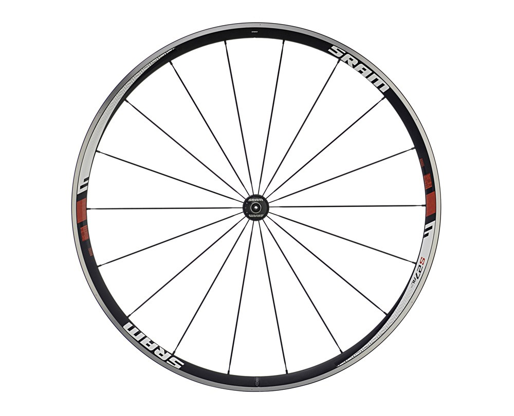 The S 27 AL Comp is the introduction to the S series. It benefits from oversize hubs in the front and rear, but gives up weight to its siblings through its spokes and rim.