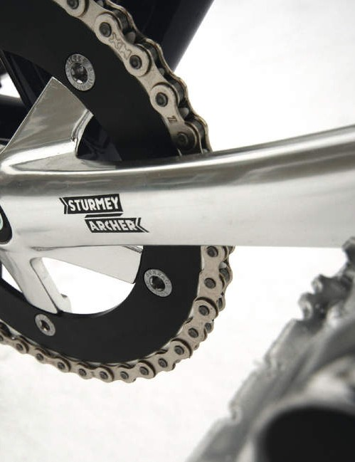 Sturmey Archer branded chainset in fixed-friendly 165mm length
