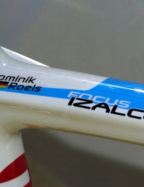 In addition to his name and nationality, the top tube on Roels' bike includes a paint scheme in Team Milram colours