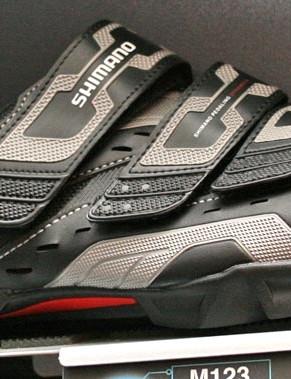 M123 shoe
