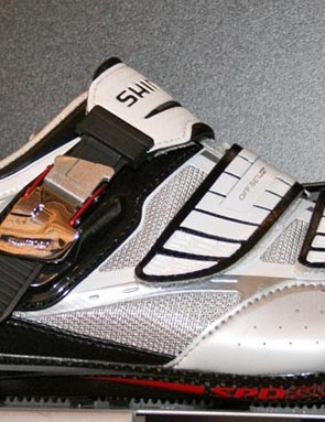 R240 shoe replaces the R220