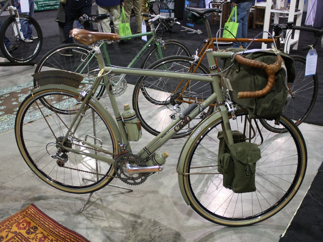 Cielo Cycles entered this fantastic machine into this year's Oregon Manifest Constructor's Design Challenge.