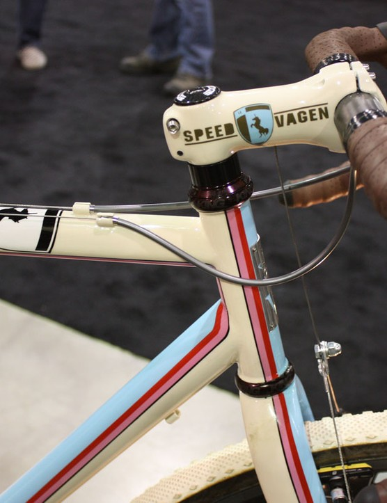 The front brake cable is routed inside the Edge Composites stem.