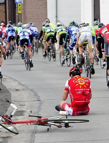 Crashes were common during the Omloop Het Nieuwsblad