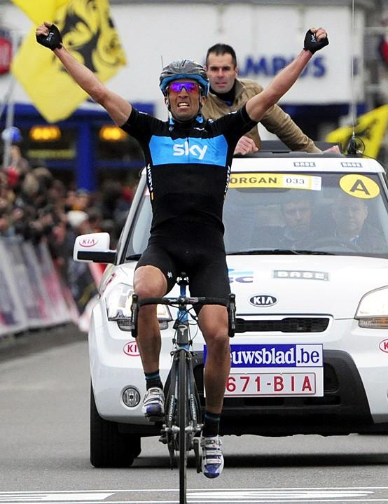 Juan Antonio Flecha celebrates