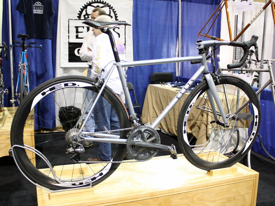Dave Wages built this Ellis bicycle with a mix of Dedacciai steel tubing