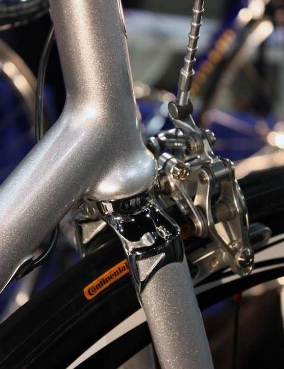 The integrated headset and fillet brazed joints make for a smooth look