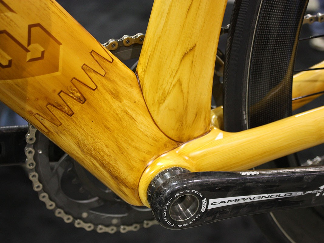Serotta fooled a lot of onlookers with this stunning PPG faux-wood paint job